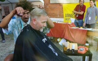 MUCBOOK | Münchner Gesichter: Danny Beuerbach ist der Festival-Friseur